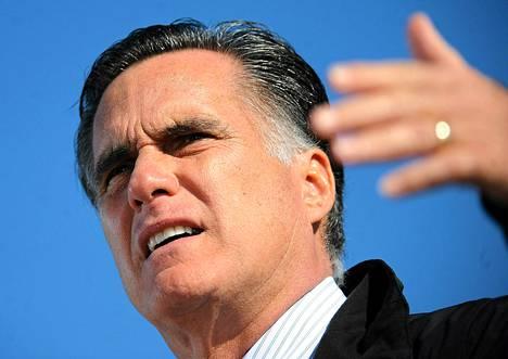 Salt Lake Cityn vuoden 2002 talviolympialaisten johtaja Mitt Romney vaatii kansainvälistä olympiakomiteaa laittamaan suitset kisajärjestäjien rahantuhlaukselle.