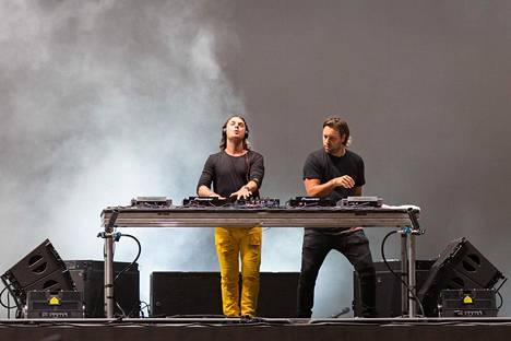 Swedish House Mafian jäsenet Axel Hedfors ja Steve Angello.