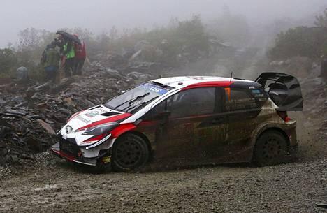 Jari-Matti Latvala ajoi Walesissa Slate-vuorella kuudennella erikoiskokeella pohja-ajan.