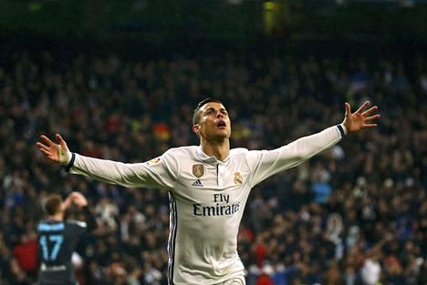 Cristiano Ronaldo teki kauden 13. liigamaalinsa Real Sociedadia vastaan.