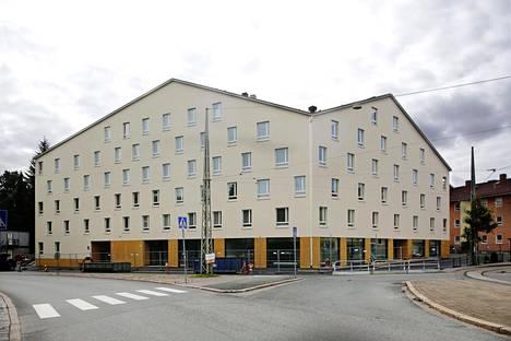 Asunto-osakeyhtiö Helsingin Käpylän Posteljoonissa yhtiölainan osuus asuntojen kokonaishinnasta on iso.