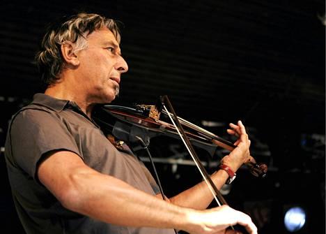 John Calen viulu soi vuoden 2006 Provinssirockissa.