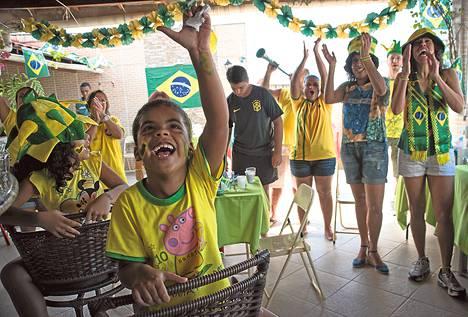 Brasilian ottelupäivänä ihmiset pitävät päällään vain kahta väriä.