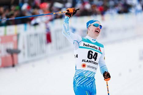 Iivo Niskanen voitti Lahdessa MM-kultaa 15 kilometrin perinteisen hiihtotavan väliaikalähdössä.