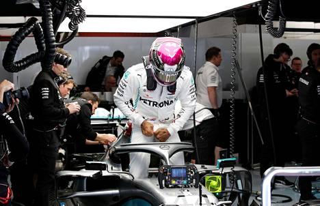 Formula 1 -talli Mercedeksen kuljettaja Lewis Hamilton testasi tallin F1-autoa helmikuussa Barcelonassa.