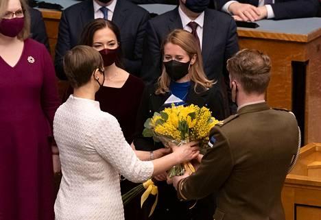 Viron presidentti Kersti Kaljulaid onnitteli uutta pääministeriä Kaja Kallasta virkaanastujaispäivänä 26. tammikuuta.