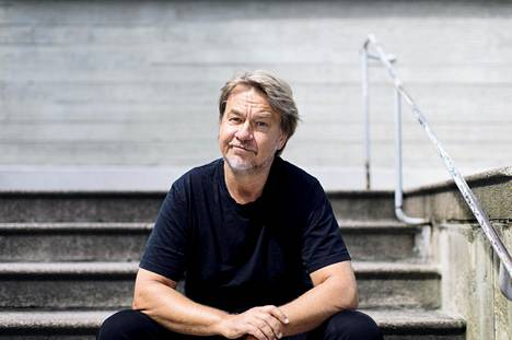Saska Saarikoski on nimitetty Helsingin Sanomien pääkirjoitus- ja mielipidetoimituksen esimieheksi.