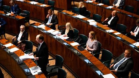 Syytteen nostaminen edellyttää eduskunnan suostumusta, koska kyse on kansanedustajan valtiopäivillä lausumasta mielipiteestä. Eduskunta keskusteli asiasta keskiviikkona.