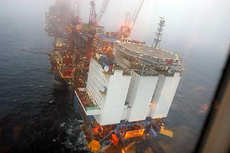 Töihin öljynporauslautalle