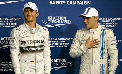 Valtteri Bottas voi auttaa Nico Rosbergia mestaruustaistossa hyvällä sijoituksella kauden päättävässä Abu Dhabin GP:ssä.
