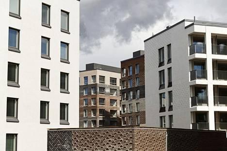 Helsinki ei yllä kaupunkien kärkeen Suomen Vuokranantajien sijoitusasuntoennusteessa. Kuva Kruunuvuorenrannan rakennustyömaasta vuonna 2018.