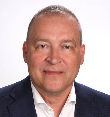 """""""Kuluttaja haluaa joka asiassa helpoutta"""", Sakan toimitusjohtaja Eero Poukkula kertoo."""