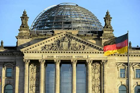 Berliinin Valtiopäivätalo, jossa Saksan parlamentti toimii.