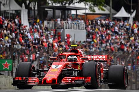 Kimi Räikkönen kolmansissa harjoituksissa lauantaina.