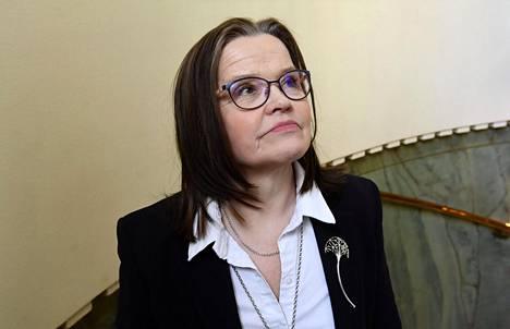 Alivaltiosihteeri Päivi Nerg Tiukka paikka -kirjansa julkistustilaisuudessa Helsingissä viime vuoden maaliskuussa.