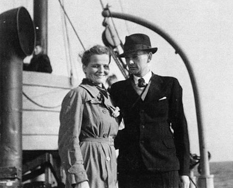 Siiri Korhonen ja Tauno Kylmänoja menivät naimisiin laivalla operaatio Stella Polariksen aikana.
