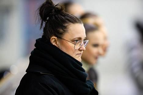 Mirjami Penttinen Team Uniquen harjoituksessa.
