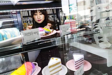 Sim Jin-alle on trärkeää, että kahvilassa myytävät leivokset ovat paitsi herkullisia, myös kauniita.
