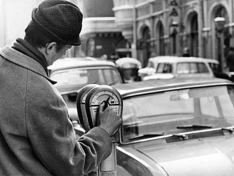 Pysäköintimittareita asennetaan jatkuvasti lisää Helsinkiin, ja pian saadaan myös neljän tunnin mittareita.