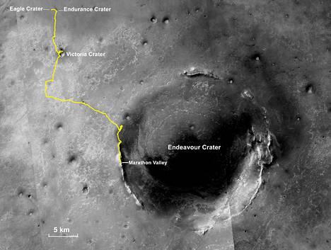 Opportunityn maratonin loppuosuus mönki Endeavour-kraatterin reunamilla.