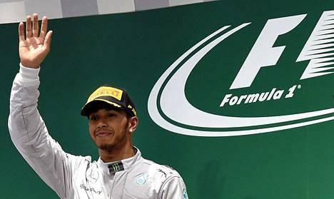 Lewis Hamilton otti Suzukassa kauden kahdeksannen voittonsa.