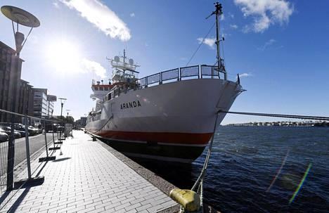 Suomen ympäristökeskuksen merentutkimusalus Arandan ensimmäisen peruskorjauksen jälkeisen tutkimusmatkan tuloksia esiteltiin tiedotustilaisuudessa Helsingissä.