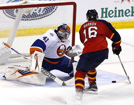 Alexander Barkovin johtama Florida kohtaa Jaroslav Halakin edustaman New York Islandersin pudotuspelien ensimmäisellä kierroksella.
