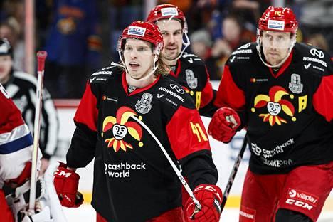 Jokerit selvitti tiensä KHL:n pudotuspelien toiselle kierrokselle, mutta vetäytyi kilpailusta.