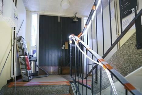 Rovaniemen Korkalovaarassa sijaitseva taloyhtiö ei saanut haluamaansa lainaa pankista, vaan joutuu pilkkomaan remontit osiin ja pienempiin lainoihin.