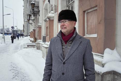 Specta-yhtiön toimitusjohtaja Erik Helin otti venäläisen Sputnik V -rokotteen yksityisellä klinikalla. Nyt toisestakin piikistä on jo pian puolitoista viikkoa aikaa, ja sivuvaikutuksia hän ei ole saanut.