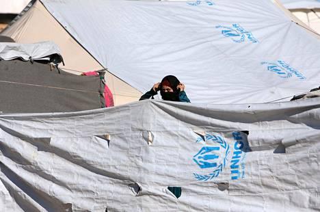 Nainen al-Holin leirillä viime vuoden huhtikuussa.