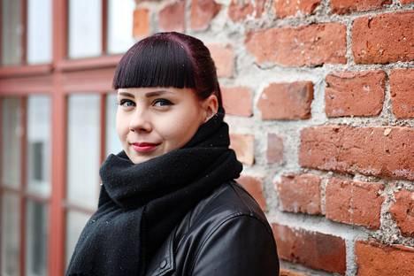 Heidi Kohonen aloitti säästämisen karsimalla ensin pois muutaman euron ostokset, jotka tuntuvat kertasummina pieniltä, mutta joista kertyy vuodessa iso summa.