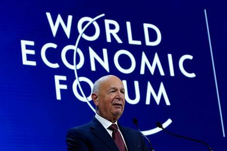 Klaus Schwab perusti Maailman talousfoorumi -säätiön vuonna 1971.