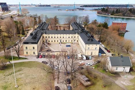 Lapinlahden sairaalan päärakennukseen kaavaillaan Tove Janssonin kotimuseota, hostellia, työtiloja sekä palveluja. Kuvassa alue keväällä 2017.
