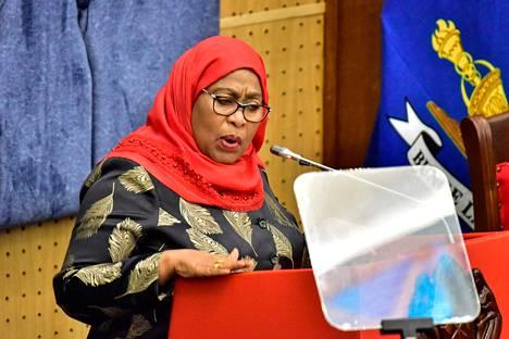 Tansanian presidentti Samia Suluhu Hassan kuvattuna huhtikuun lopulla.