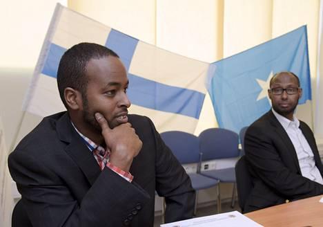 Suomen somalialaisten liiton projektikoordinaattori Abdule Mahamed (vas.) ja puheenjohtaja Arshe Said toukokuussa 2016.