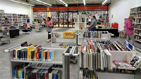 Koivukylän uuden kirjaston sisustus on vielä kesken.