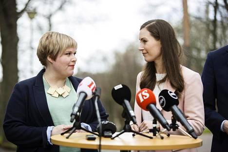 Annika Saarikko ja Sanna Marin kertoivat 28. huhtikuuta sovun löytyneen puoliväliriihessä.