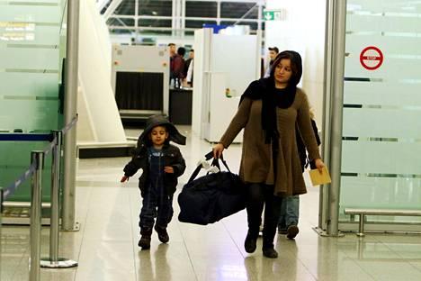 Saksasta Irakiin palanneita turvapaikanhakijoita saapui Erbilin lentokentälle keskiviikkona.