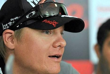 Sami Seliö tavoittelee F1-veneiden maailmanmestaruutta.