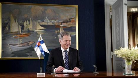Tasavallan presidentti Sauli Niinistö perinteisen uudenvuoden puheensa nauhoituksessa Helsingissä Presidentinlinnassa perjantaina 29. joulukuuta 2017.
