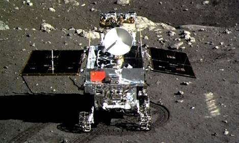 Kiinan Jadekaniini-mönkijä kuun pinnalla 15. joulukuuta.