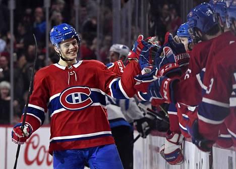 Jesperi Kotkaniemi siirtyi 2000-luvulla syntyneistä suomalaiskiekkoilijoista ensimmäisenä NHL:ään. Seura on Montreal Canadiens.