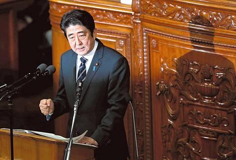 Japanin pääministeri Shinzo Abe täsmensi tammikuun lopulla parlamentissa politiikkaansa, jonka tavoite on katkaista pitkä stagnaatiokausi taloudessa.