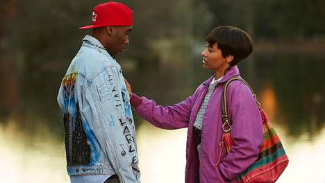 Demetrius Shipp Jr. ja Kat Graham ovat Tupac Shakur ja Jada Pinkett Smith elokuvassa All Eyez on Me.