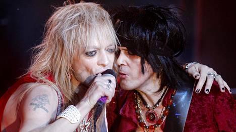 Michael Monroe ja Andy McCoy esiintyivät yhdessä Hanoi Rocksin Pitkät jäähyväiset -kiertueen Tavastian konsertissa vuonna 2009.