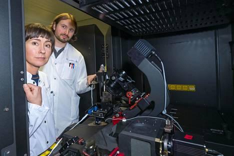 Professori Johanna Ivaska ja tutkijatohtori Guillaume Jacquemet ovat onnistuneet kuvaamaan syöpäsoluja itse teossa.
