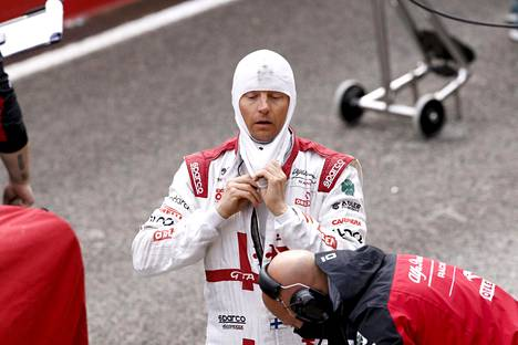 Kimi Räikkönen ajoi ruutulipulle yhdeksäntenä Imolassa.