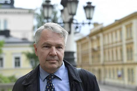 Ulkoministeri Pekka Haavisto (vihr) kannattaa terrorijärjestön aktiivisen tukemisen tai jäsenyyden kriminalisointia.