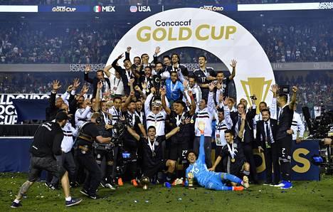 Meksiko pääsi juhlimaan Chicagossa pelatussa Gold cupin finaalissa.